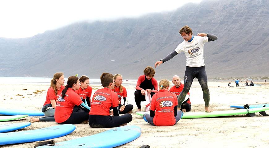 surf camp lanzarote