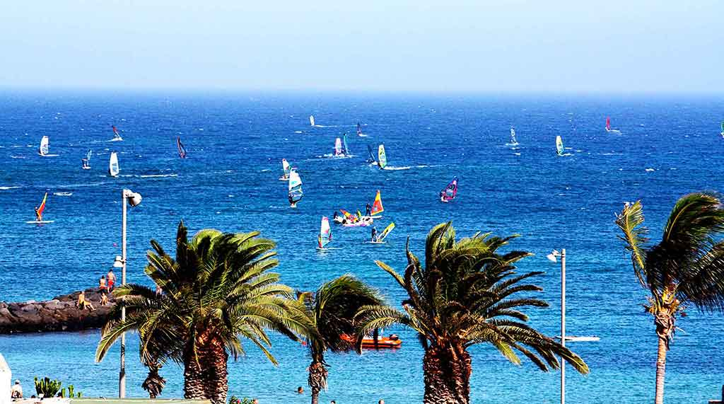 las cucharas windsurfing spot
