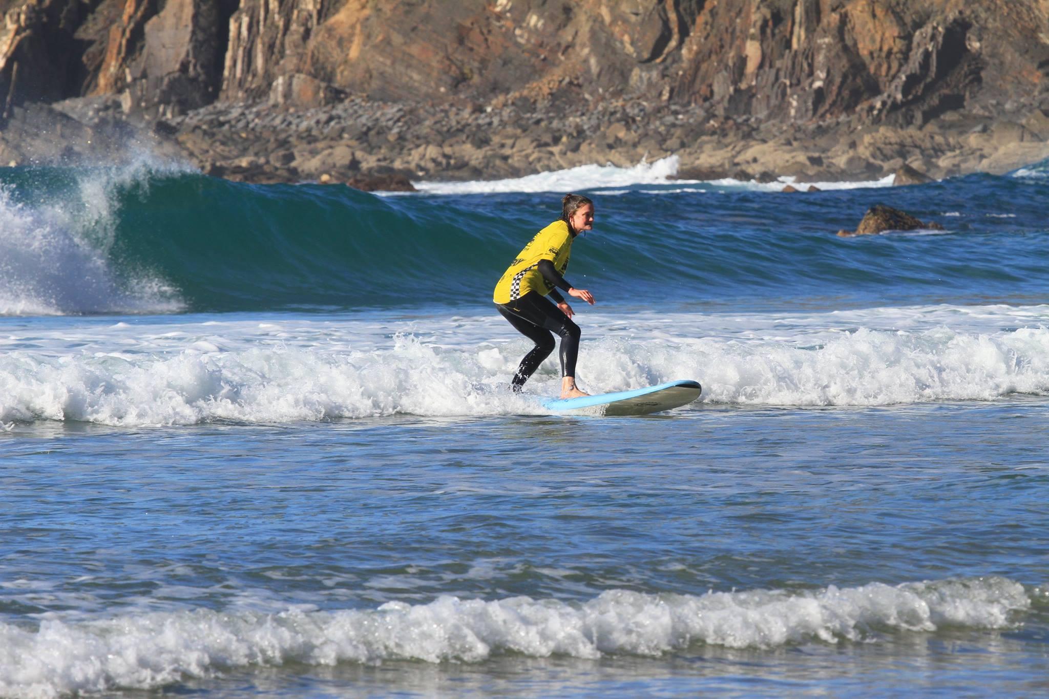 arrifana surf lessons